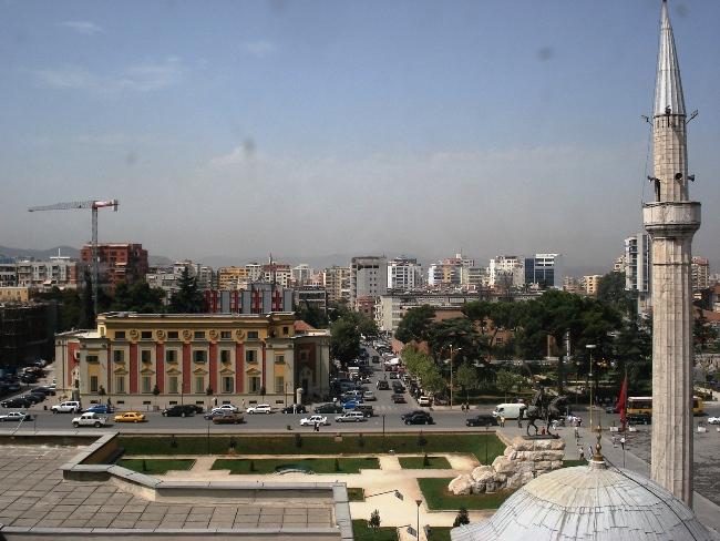 Встреча со столицей Тирана