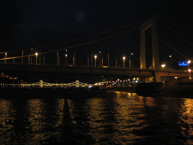 Прекрасен ночой Дунай!