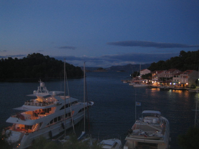 Вечер на острове Млет